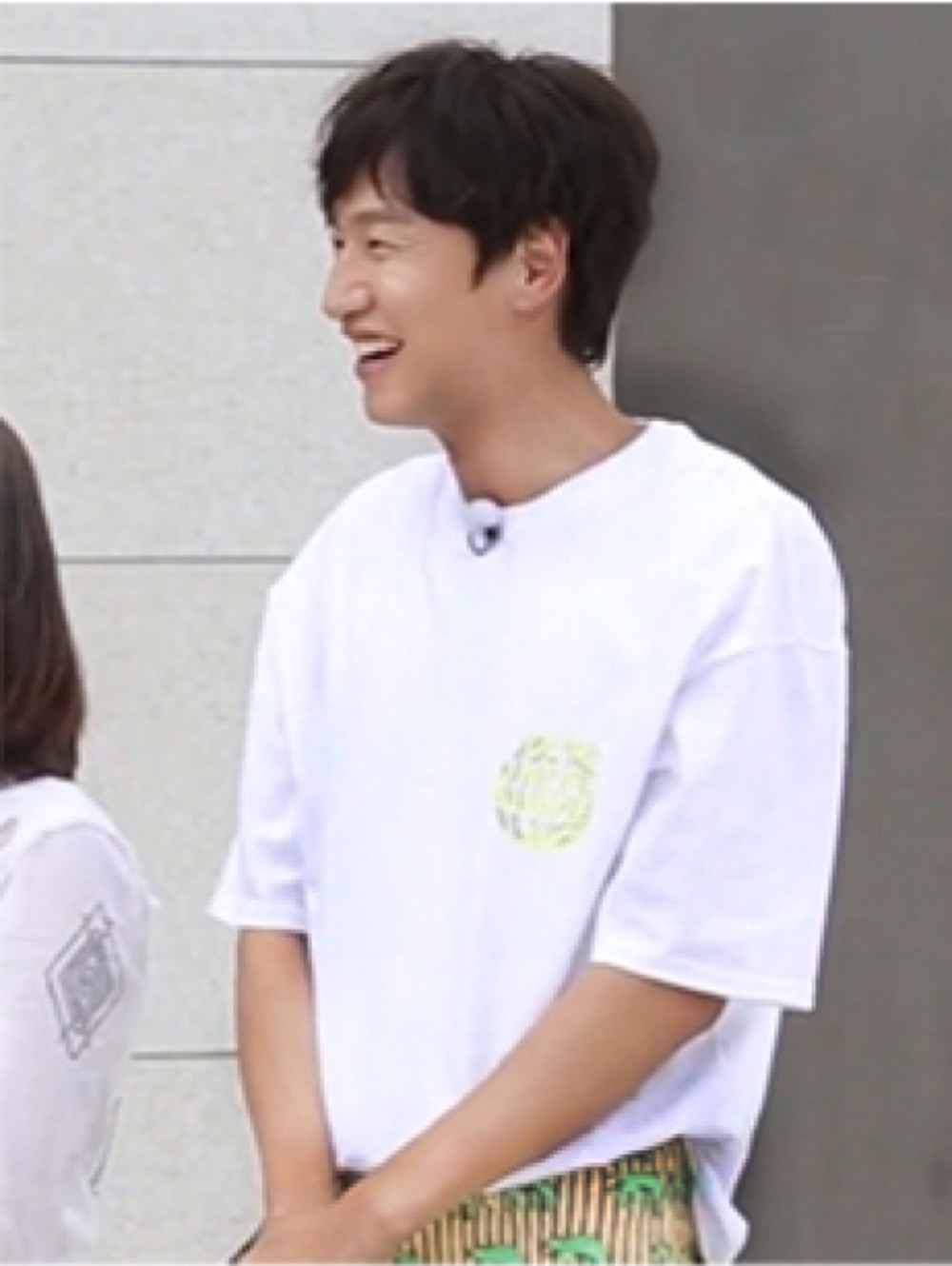 "랑데부 ""이광수 - SBS 런닝맨"".  RDVZ®  19SS CIRCLE LOGO T-SHIRTS WHITE"