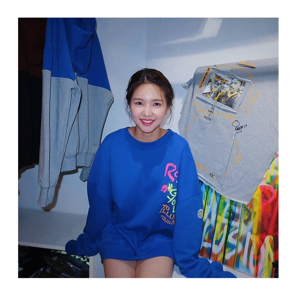 "랑데부 ""재이"".  RDVZ®  19FW CRAYON SWEAT TOP BLUE"